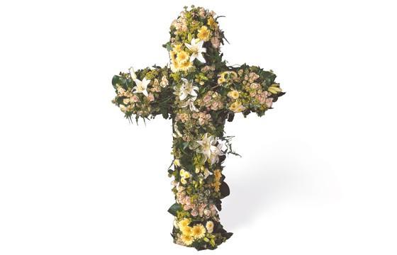 image de la grande croix en fleurs pour un deuil Unversel