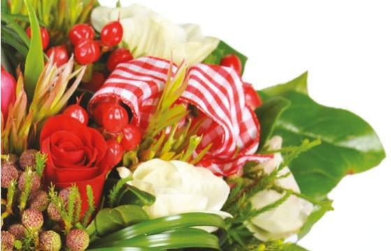 zoom sur les roses rouges du Bouquet de fleurs rouges Evidence