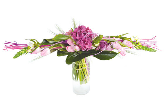 bouquet de tulipes hortensias envol livraison de fleurs pas ch res l 39 agitateur floral. Black Bedroom Furniture Sets. Home Design Ideas
