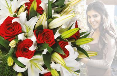 L'Agitateur Floral |image du Bouquet Surprise du fleuriste dans les couleurs Rouges & Blanches