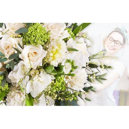L'Agitateur Floral |image du Bouquet Surprise du fleuriste dans les couleurs blanches