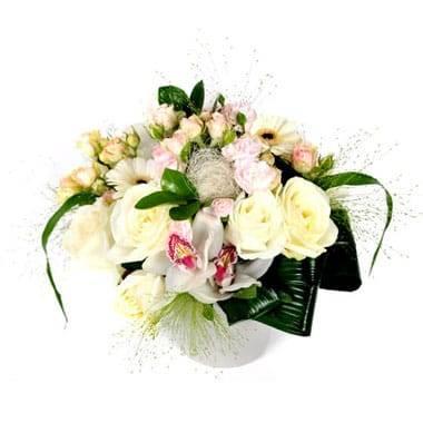 L'Agitateur Floral |image principale de la Composition de fleurs blanche Charme
