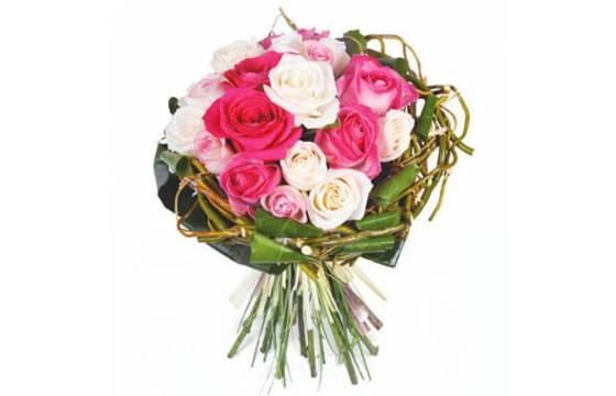 L'Agitateur Floral | image du bouquet rond de roses roses & blanches
