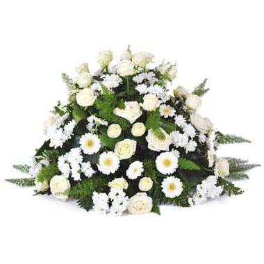 L'Agitateur Floral | Image de la composition de deuil dans les couleurs blanches du nom de Pureté