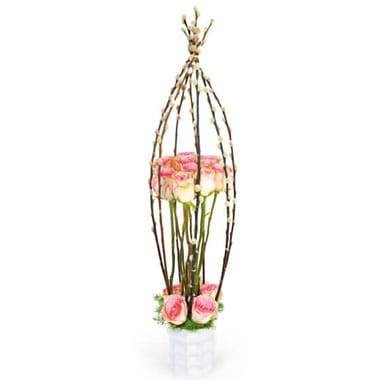 L'Agitateur Floral | image de la composition de roses roses Cage d'Amour