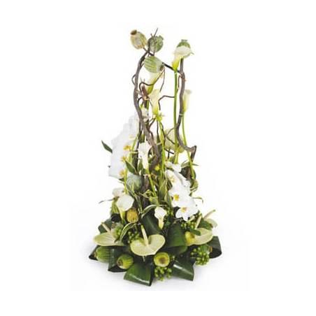 L'Agitateur Floral | image de la composition de fleurs blanche pour un enterrement du nom de l'instant