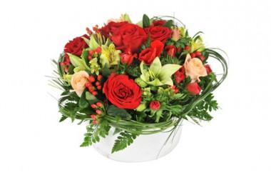 image de la composition florale dans les tons rouges Muse
