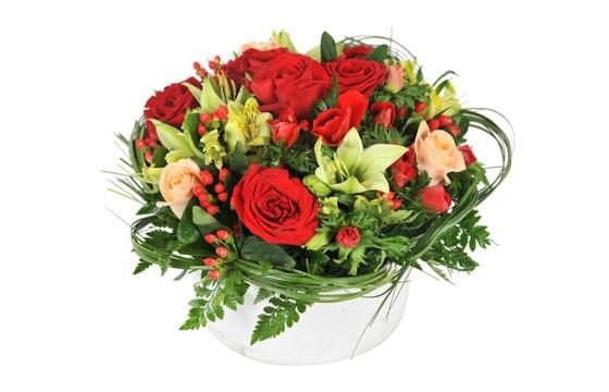 composition tons rouge avec lys rose an mone livraison 7j 7 en 4h l 39 agitateur floral. Black Bedroom Furniture Sets. Home Design Ideas