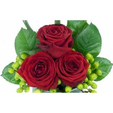 L'Agitateur Floral | image des trois roses rouges de la composition florale