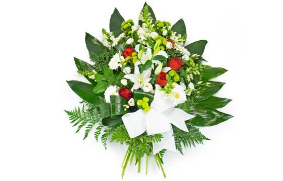 image de la berge de fleurs dans les tons rouge & blanc