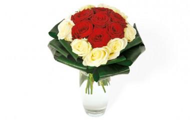 Image du bouquet de roses rouges & roses blanches Complicité
