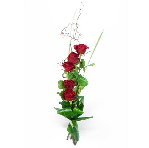 bouquet linéaire de roses rouges   livraison de fleurs par fleuriste